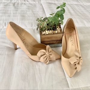 Sole Society Latte Flower Detail Leather Pump